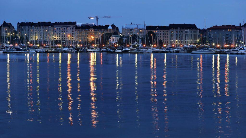 Helsinki di malam hari