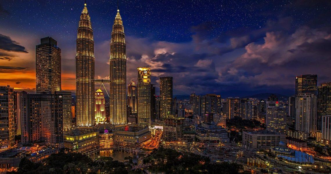 tempat wisata malaysia petronas