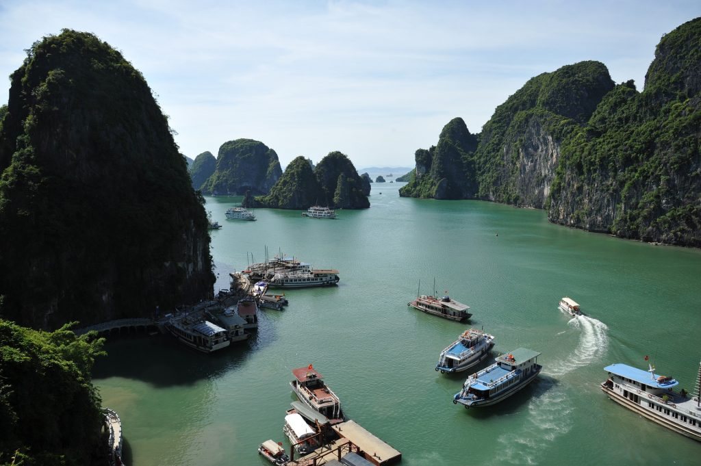 ha-long-bay vietnam