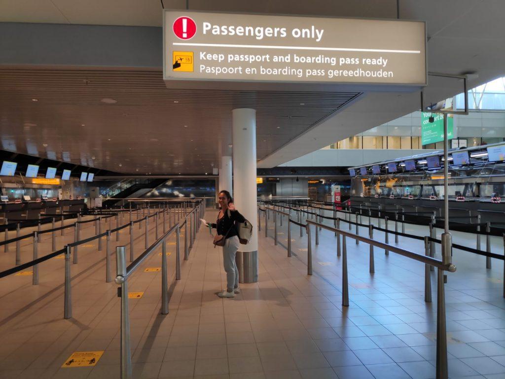 Airport-Schiphol-Corona